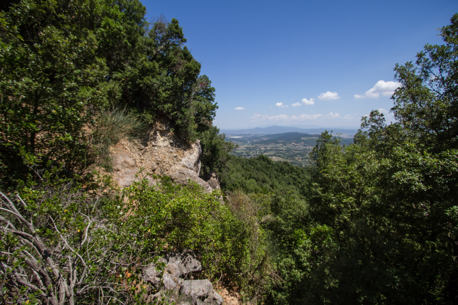 Looking back across the Maremma to Ravi and the Amiata, the views are stunning, isolated but connected.